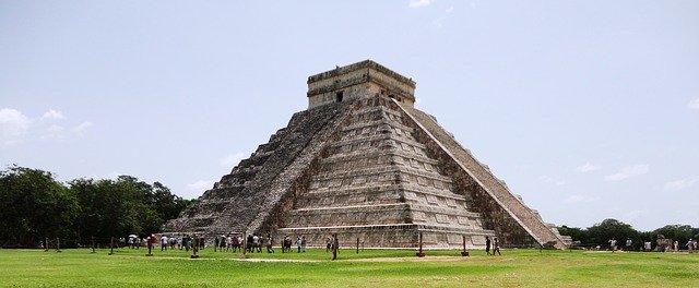 Pyramide in Cancún. Bild von Flavio Moura auf Pixabay