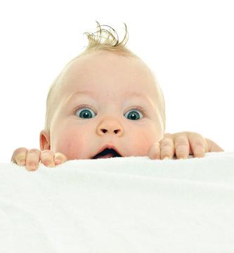 Baby klettert © Denys Kurbatov - Fotolia.com